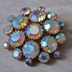 Czech glass brooch (19 stones).