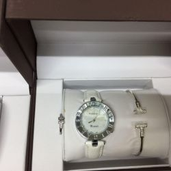 Women's watches in the box
