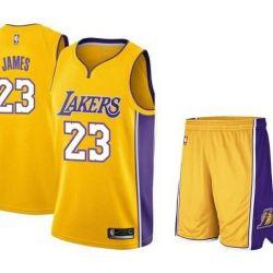 LeBron. Basketbol formu Los Angeles Lakers.
