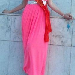 Yeni pembe zemin elbise