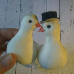 Decorative pigeons for a wedding