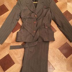 Women's suit (bargaining)