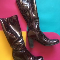Boots natural leather, lacquer