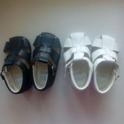 Children's shoes for twins 1000r for two pairs. NEW.
