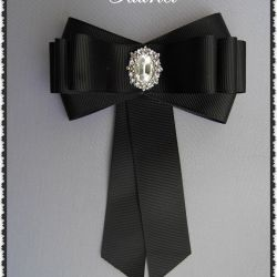 Bayan kravat broş.