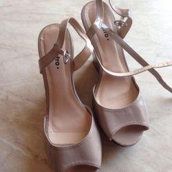Sandaletler 39 r.