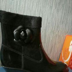 Новые резиновые женские ботиночки