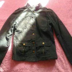 Denim jacket (spring-autumn).