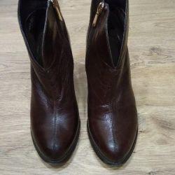 Μπότες για γυναίκες 38 nat.kozha