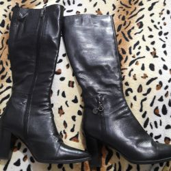 Boots genuine leather in excellent condition. 38 r