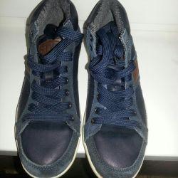 Erkek çocuk için spor ayakkabı 37
