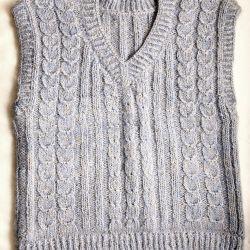 New knitted sleeveless shirt handmade 44-46