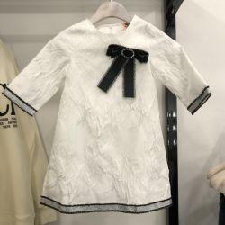 Beyaz elbise bebek