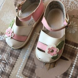 Selling sandals for a girl