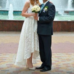 Stylish wedding dress!