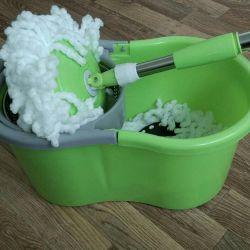 Bucket + mop