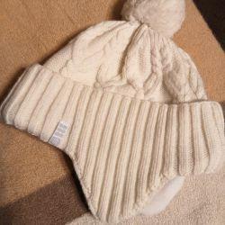 Winter hat for girls or women
