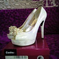 Туфлі жіночі білі