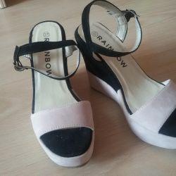 Yazlık ayakkabılar