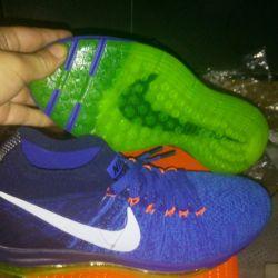 New original sneakers from nike zoom