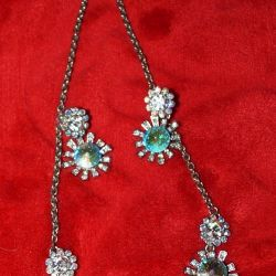 Necklace and earrings color