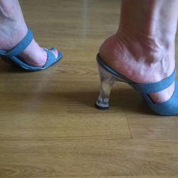 Sandale blugi, Simone Cabral ,,