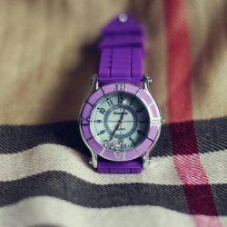 Часы с резиновым ремешком