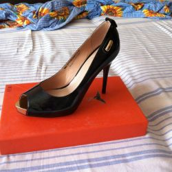 Shoes, 38r leather, not used
