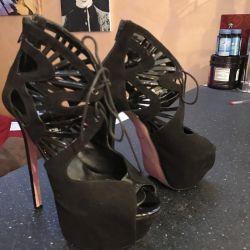 Ιταλικά παπούτσια μάρκας Calavelli