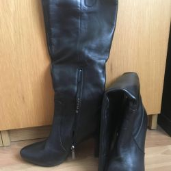 High-heeled boots. NATURAL LEATHER. Oatmeal