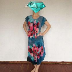 Дизайнерський костюм з натурального шовку