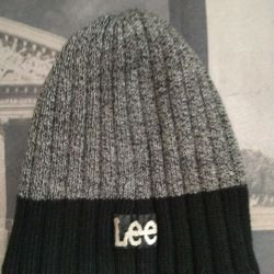 Lee's cap in perfect condition