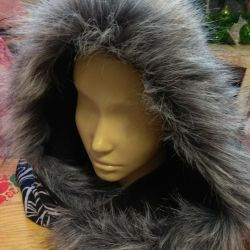 Hood with fur instead of a hat 👌