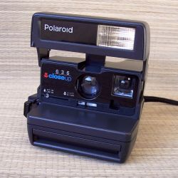 POLAROID WORKER