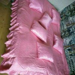Yastık ile yatak örtüsü