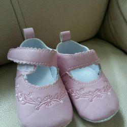 Крошечные Пинетки для новорожденых.