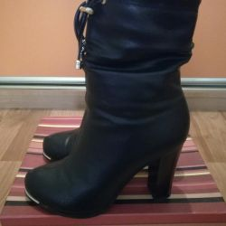 Boots d / s dimensiune 35