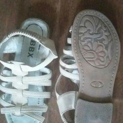 Sandale 31 de dimensiuni