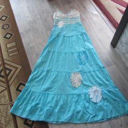 Beautiful dress to the floor