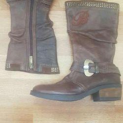 Νέες αρχικές μπότες Blumarine