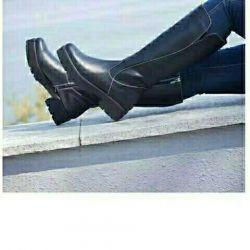 Νέες μπότες από την TM LEV LYUBININ