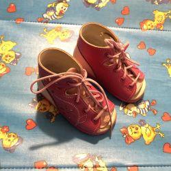 Μπότες για μικρά παιδιά (ποδιού)