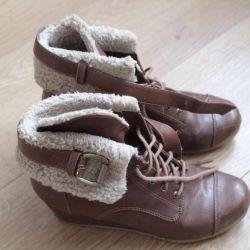 μπότες αστράγαλο Bershka