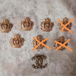 Brooch crown