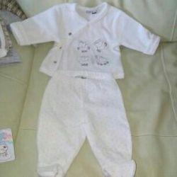 Suit for a newborn