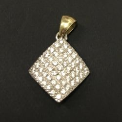 Gold pendant with cubic zirconia