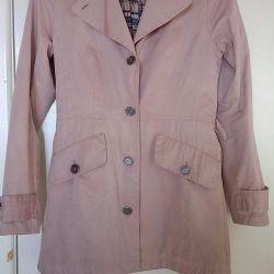 Пальто легкое в отличном состоянии