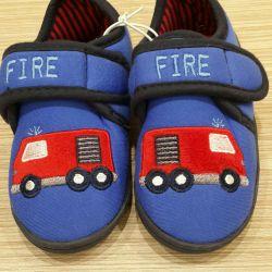 Yeni ayakkabılar Mazekia