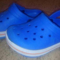 Crocs 24 size