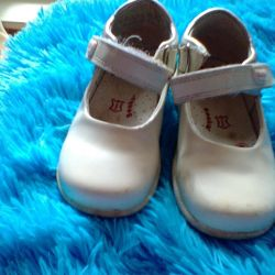 Kızlar için ayakkabı 24 beden